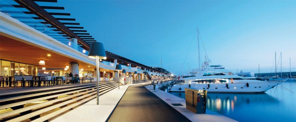 Порт Адриано.